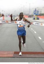 John Korir wins the 2008 Bay to Breakers 12K.