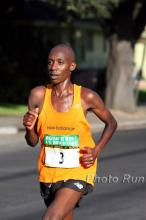 Charles Munyeki at the 2008 San Jose Rock n Roll Half Marathon.